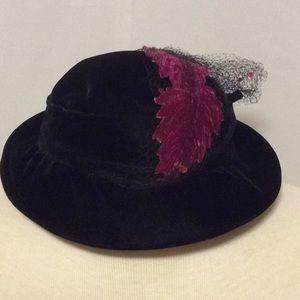 Vintage velvet hat with netting and leaf detail